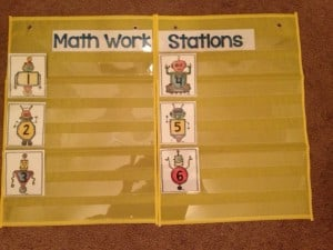 Math Work Station chart that is easy for students to read and simple to follow! Love this for guided math in kindergarten or first grade!
