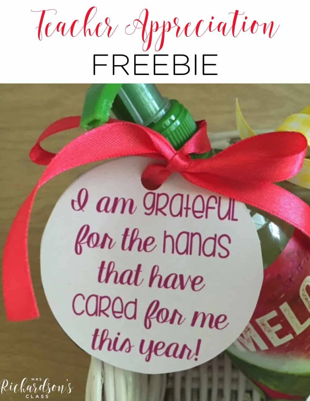 This FREE printable is perfect for teacher appreciation any time of year! What a simple and inexpensive idea that any teacher will love! #teacherapreciation #freebie #printable #teachergifts