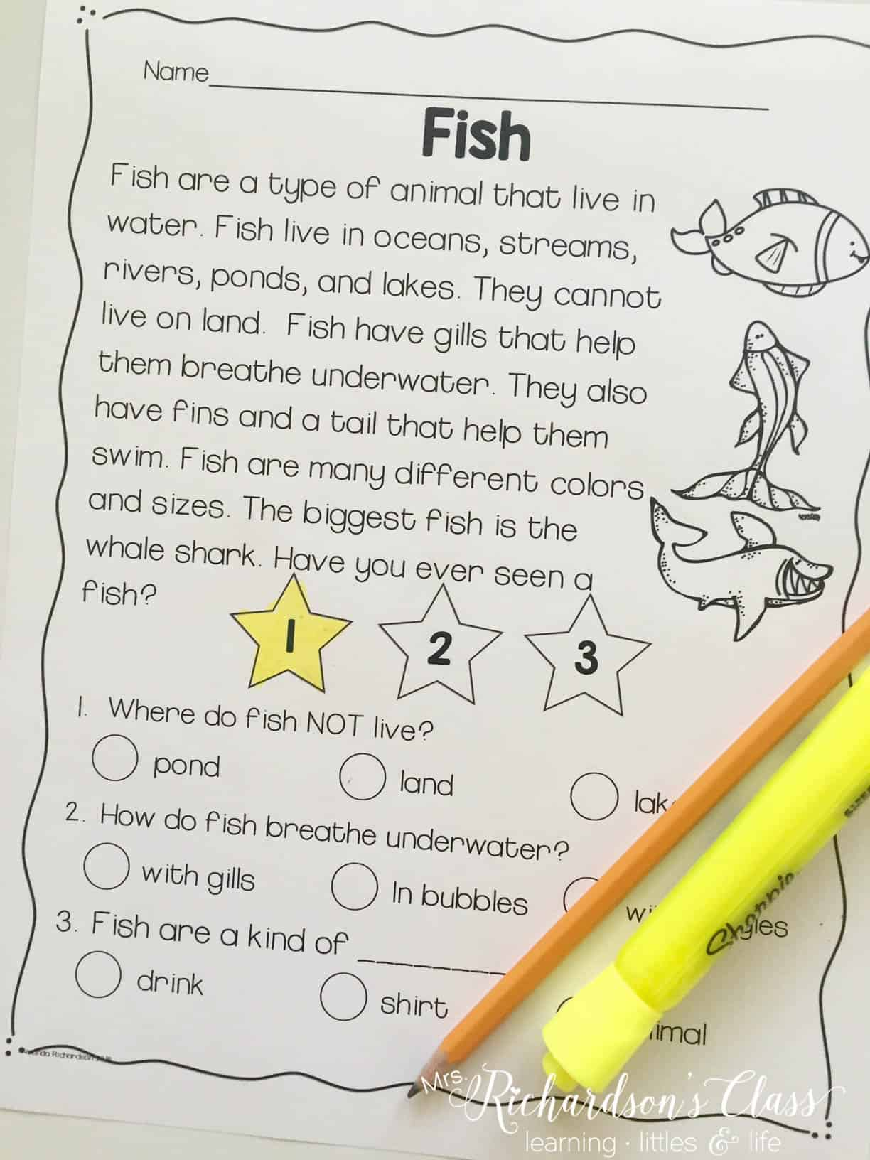Close reading passages for first grade students that are non-fiction and science themed are perfect for integrating science when you are running short on time! Students can think critically about topics that they are engaged in and you, the teacher, squeeze in science!