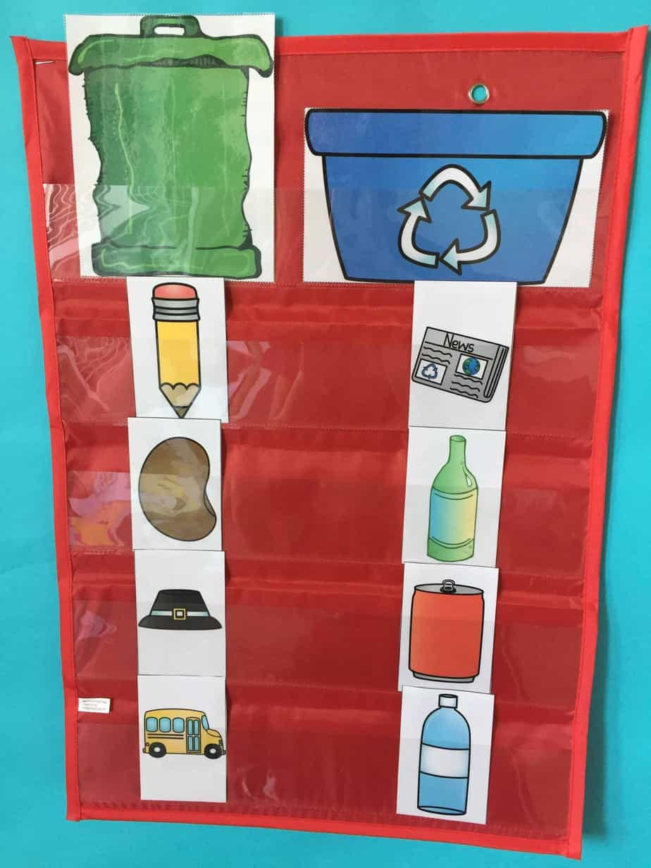 Get your students actively engaged with this earth day sort! Kindergarten and first grade students can sort items that are recyclable and not recyclable! Perfect for an earth day activity!