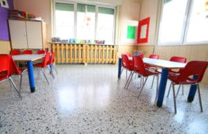 Here is a GENIUS secret tip to help motivate your students to clean up the classroom. Classroom organization starts with a clean room! This idea works great with toddlers, preschool, and elementary students! #classroomorganization #organizationtips #elementary #preschool #toddlers
