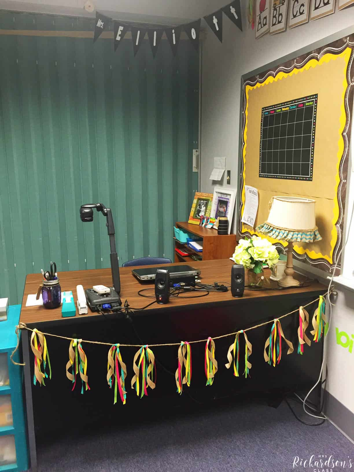 Chalkboard Burlap And Bright Classroom Decor Mrs Richardson S Class