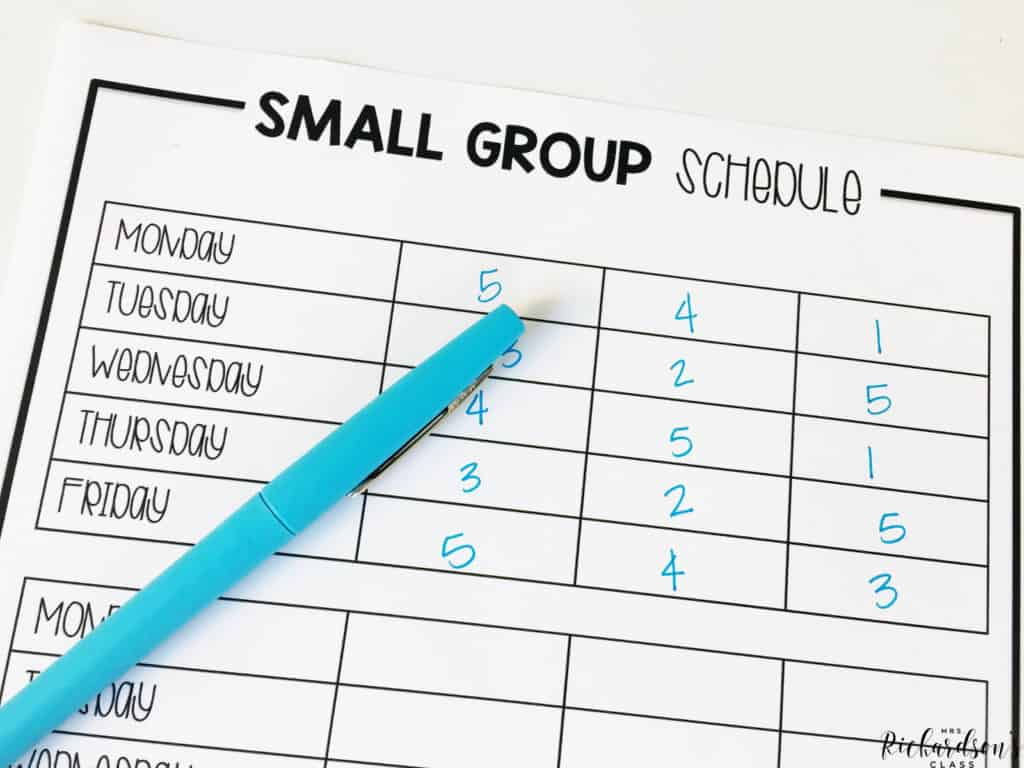 Create a guided reading group schedule that works for you! Grab this freebie on the blog!