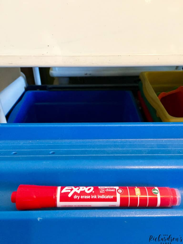 Did you know that storing EXPO markers horizontally is actually BEST? Save the ink, save the marker, and make it last longer by storing it on it's side.