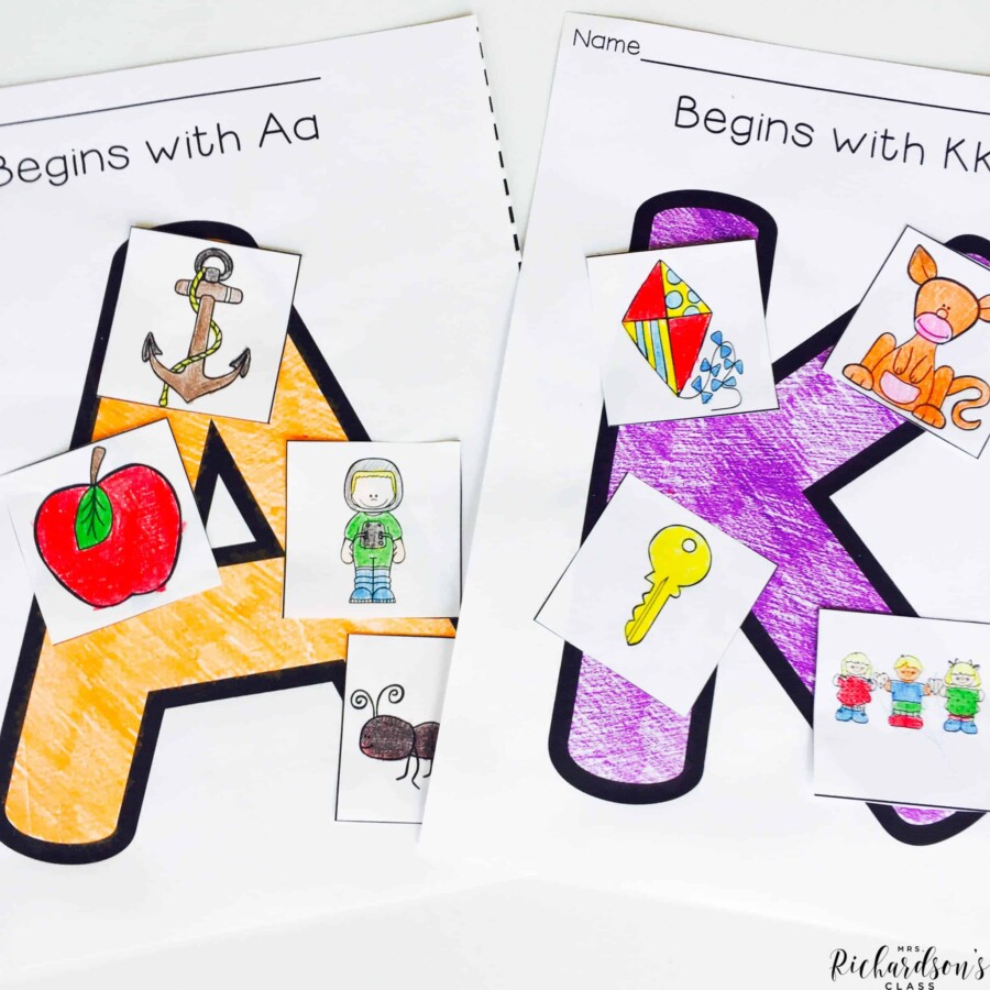 These beginning sound cut and paste activities are a great way to easily assess student's knowledge of beginning sounds. Use them as morning work, in a work station, or even as an intervention activity.