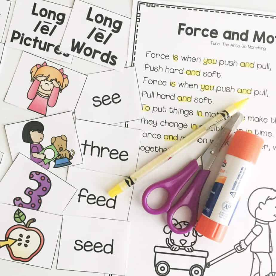 This shared reading will hook your little readers for sure!! Students learn more about a science concept while practicing reading skills and phonics!